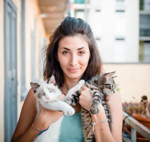 """Featured image for """"Je ne suis pas célibataire. J'ai un chat."""""""