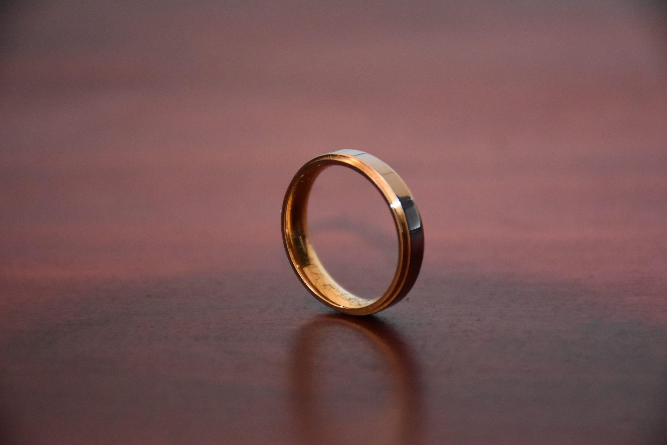 """Featured image for """"Du mariage de tous au célibat pour tous"""""""